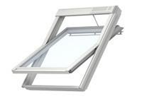 VELUX INTEGRA® GGU SOLAR poliuretán bevonatú billenő tetőtéri ablak.